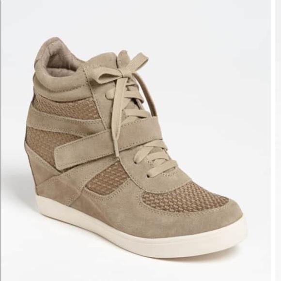 e9cff436d76 Steve Madden Tan Olympa-M Wedge Sneaker